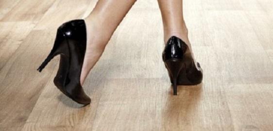 Bemutatjuk a világ legcsendesebb laminált padlóját!