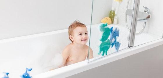 Fürdőszoba, melyben jól érzi magát a gyerek és közben biztonságban van!