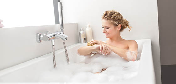 Hogyan telepítsen kádat és zuhanytálcát?