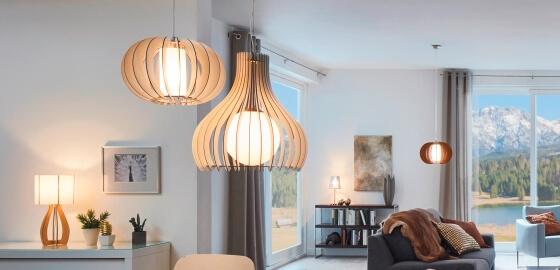 Természetesség a lakásban: Eglo lamellás fa lámpák