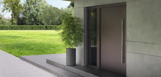 Bejárati ajtó: Acél vagy alumínium – Melyik a jobb választás?