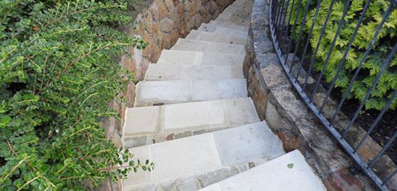 Lépcsőlapok burkolása