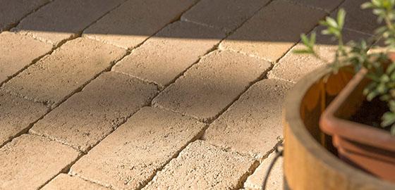 Térkövezés pofonegyszerűen, gyorsan és pontosan