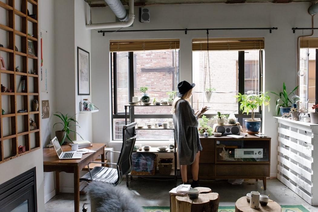 4 tipp, hogy jobban teljen az otthoni karantén