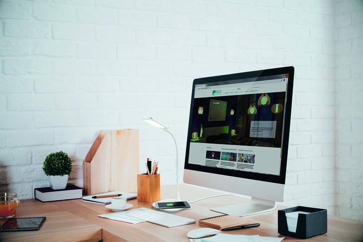 EGLO LED íróasztali lámpa extra funkciókkal