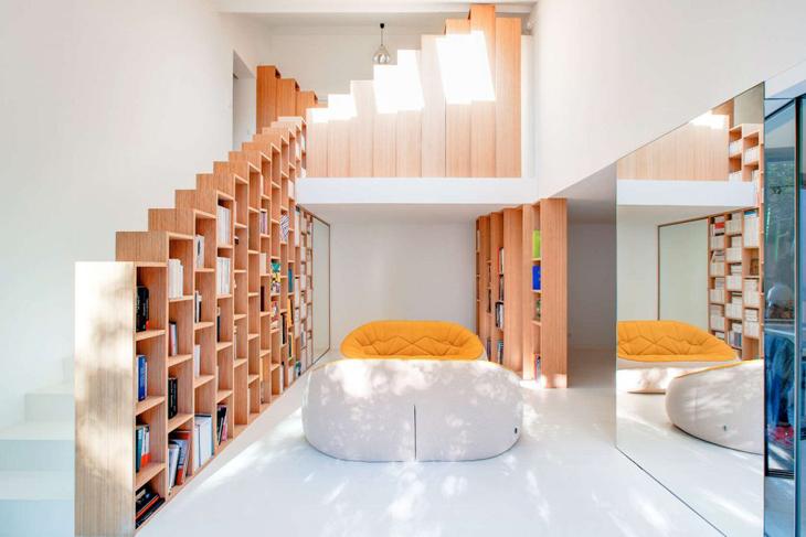 Ragyogó és eredeti: könyvespolc-ház Párizsban