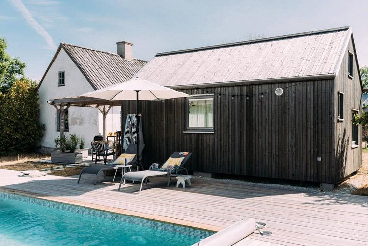 Akár te is kibérelheted ezt a gyönyörű rusztikus nyaralót a svéd szigeten!
