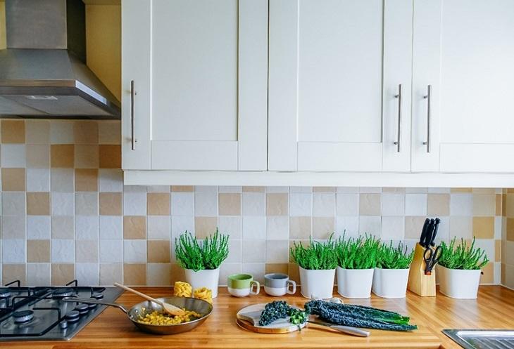 Fiókok és fakkok – praktikus részletek a konyhában