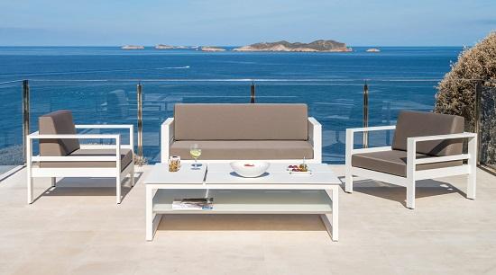 Kerti bútorok télen – gondoljon már most a tavaszra!