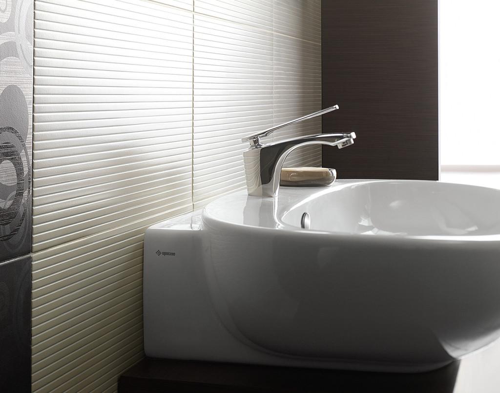 Pici a fürdőszoba? Ne féljen a nagyméretű csempéktől, burkolólapoktól!
