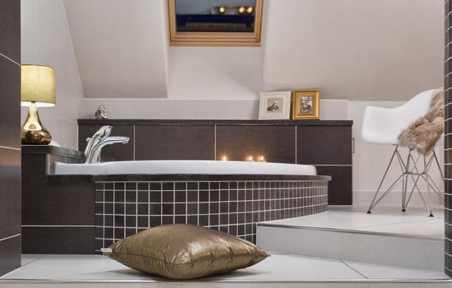 RAVAK megoldás tetőtéri fürdőszobába