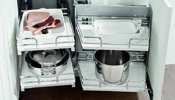 Tegyük praktikussá konyhánkat fémrácsokkal!